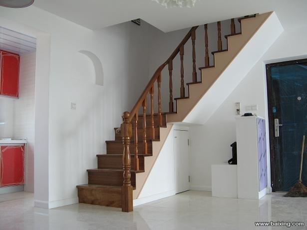 有一复式房楼梯预留口2.