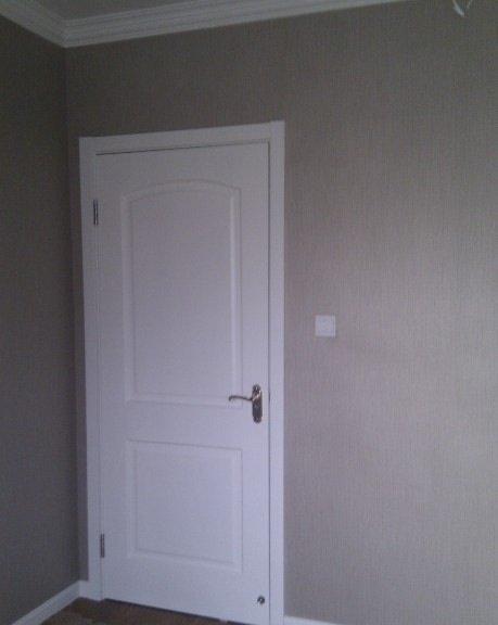 卧室窗帘该选什么颜色配这个壁纸,家具是白色