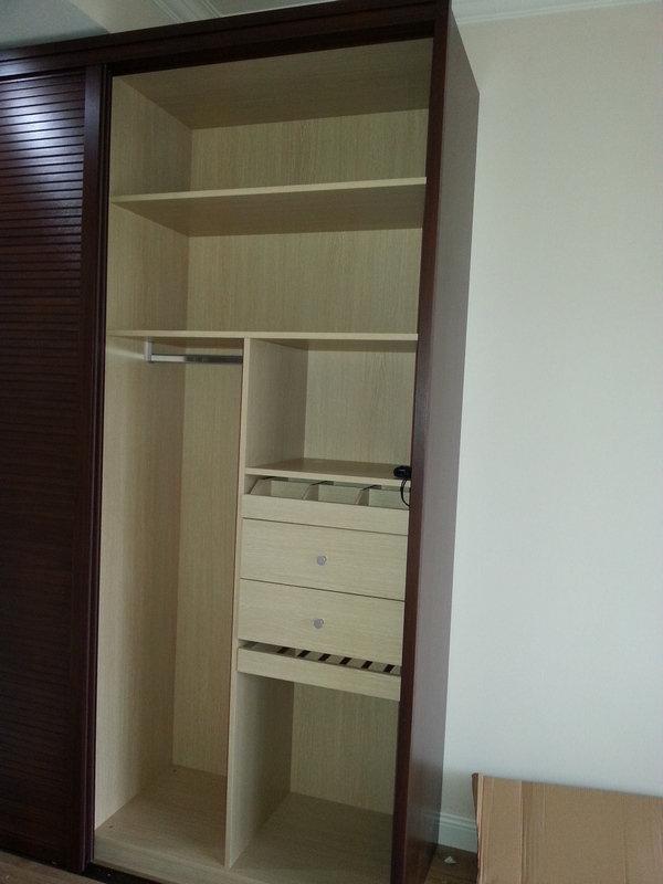 2米宽衣柜内部结构图