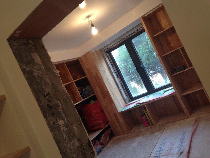 玄关鞋柜,客厅2个装饰柜和沙发背景墙,卫生间洗手台柜,阳台洗衣柜