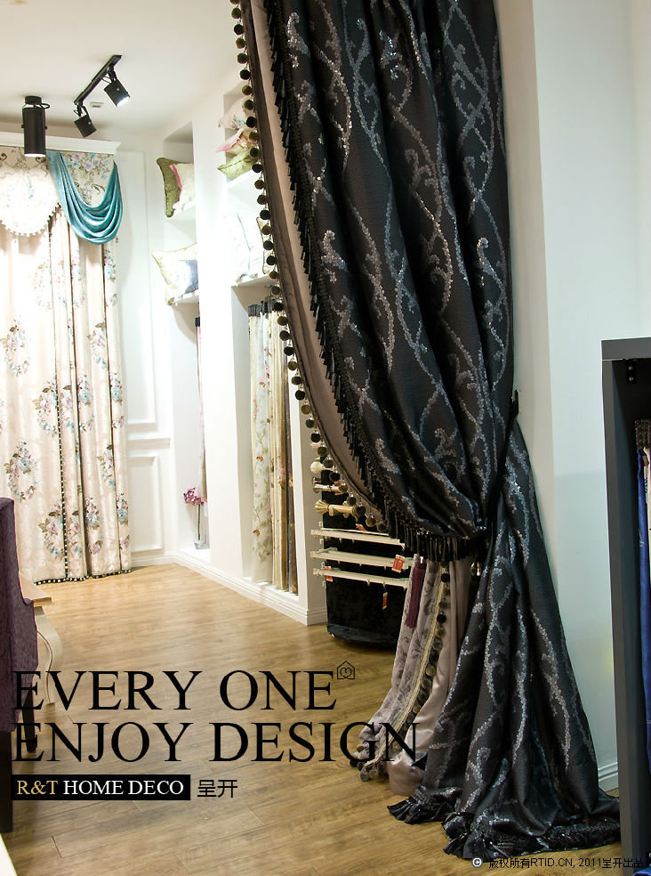 低价800转让全新呈开客厅欧式落地带丝光里衬窗帘,送绑带 墙钩