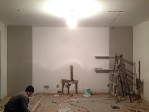 和一个电视背景墙的木工部分
