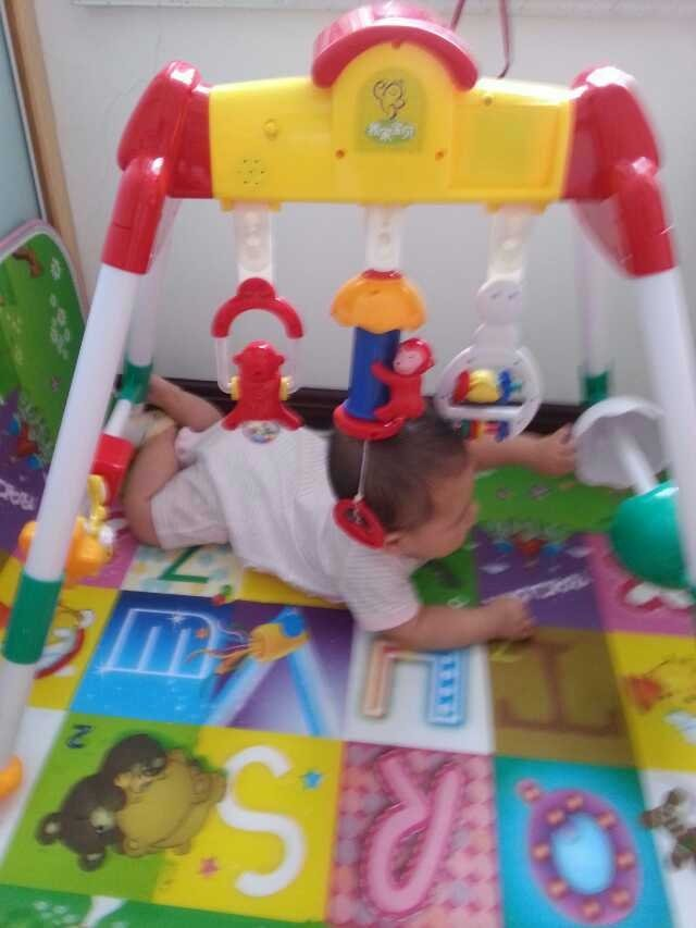 转让二手婴儿玩具房,健身架
