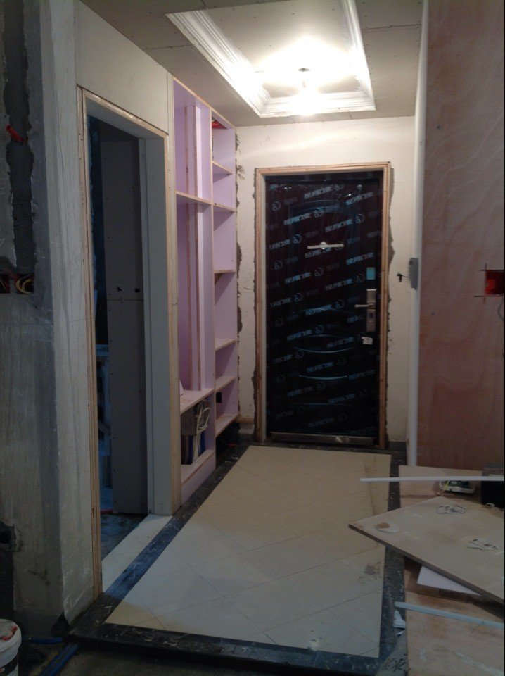 门厅现整体效果图.鞋柜木工也修改好啦,还不错,吊顶石膏线已上-