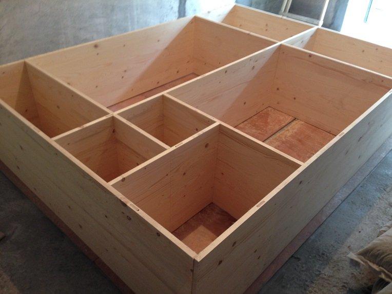 到时两块来做木工工作台的细木工板味道很重