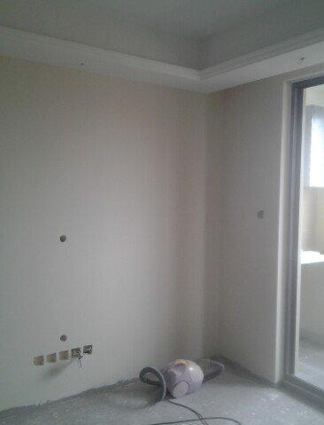 灰色地板配窗帘灰色配米色窗帘图片1