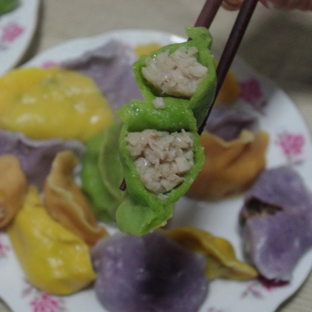 自家手工做的老面发酵花卷,老面包子,手工蔬菜汁水饺啦,宝宝吃起