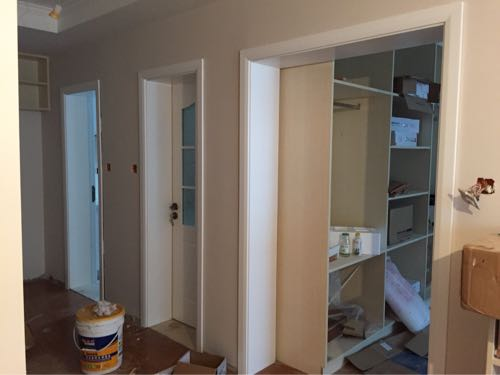 三联动门_今天就做了两扇门和一个门套,主卧的门套这里准备做三联动门.