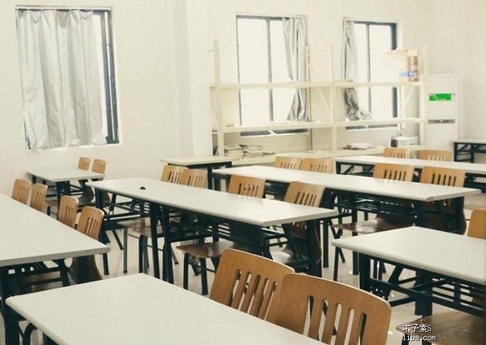 触漫校园教室素材