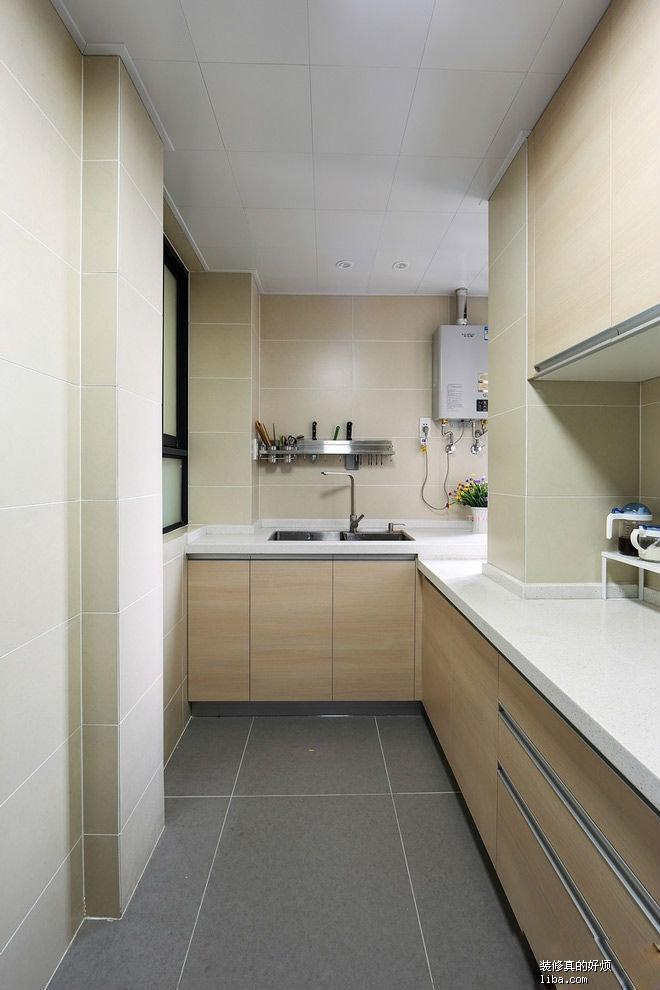 厨房的砖头.jpg