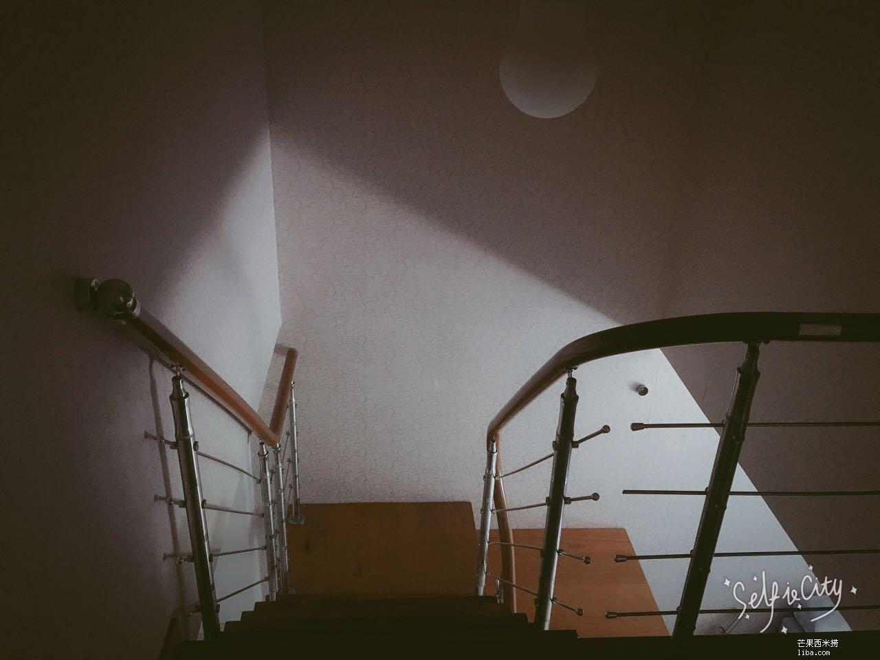 楼梯间.jpg