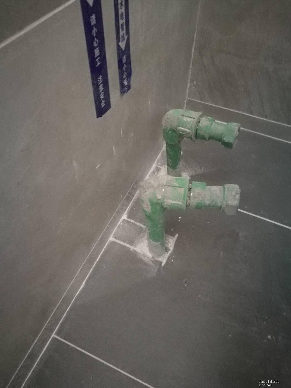 浴缸出水口.jpg