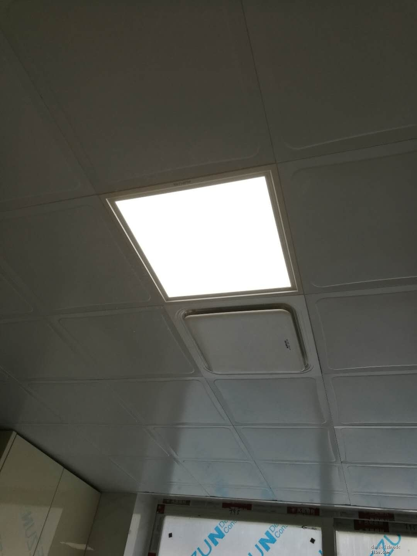 厨房排风扇及顶灯.jpg